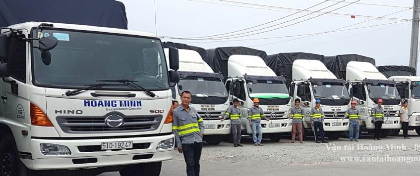 Xe tải chở hàng KCN Hiệp Thạnh