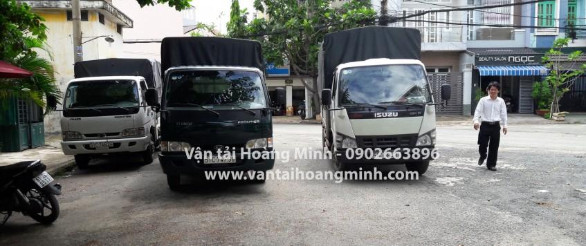 Xe tải chở hàng khu công nghiệp Tân Thới Hiệp