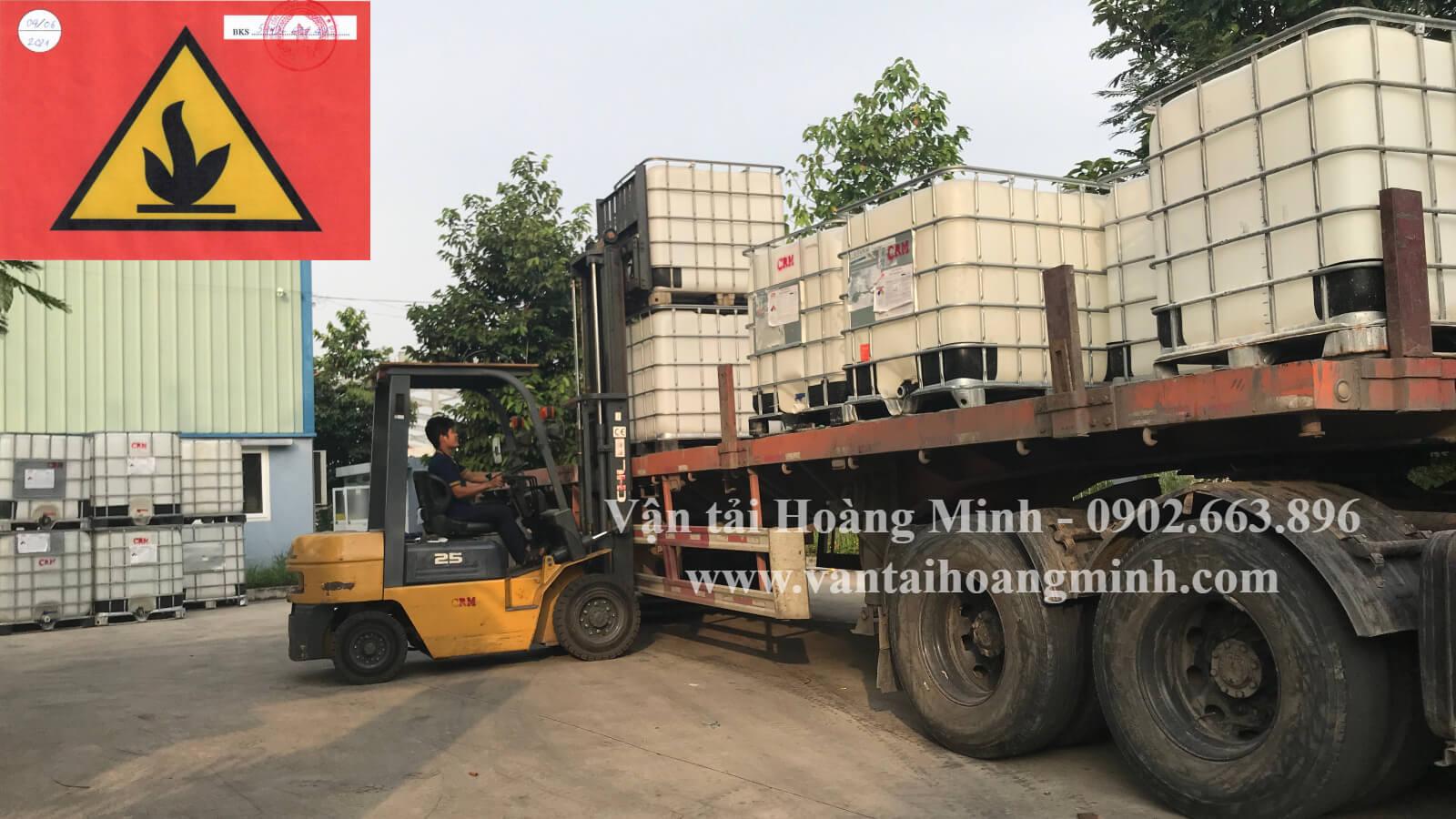 vận chuyển hoá chất hàng nguy hiểm bằng xe tải
