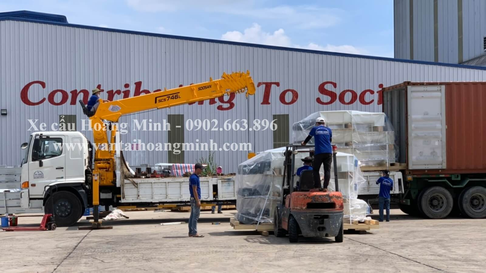 xe cẩu rút container