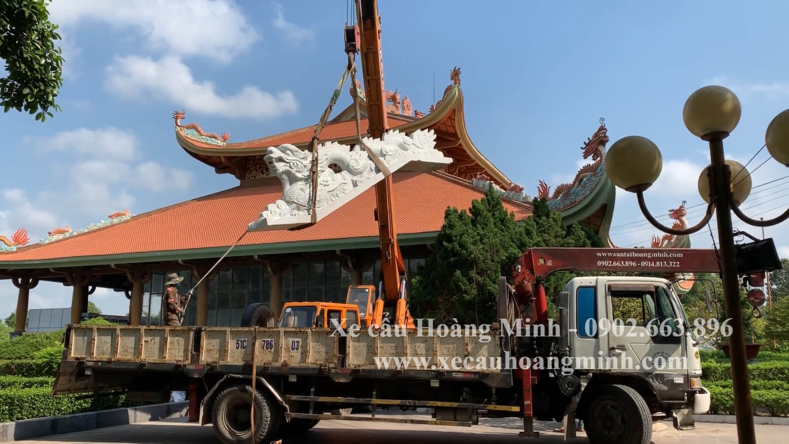 vận chuyển hàng hoá công trình bằng xe cẩu