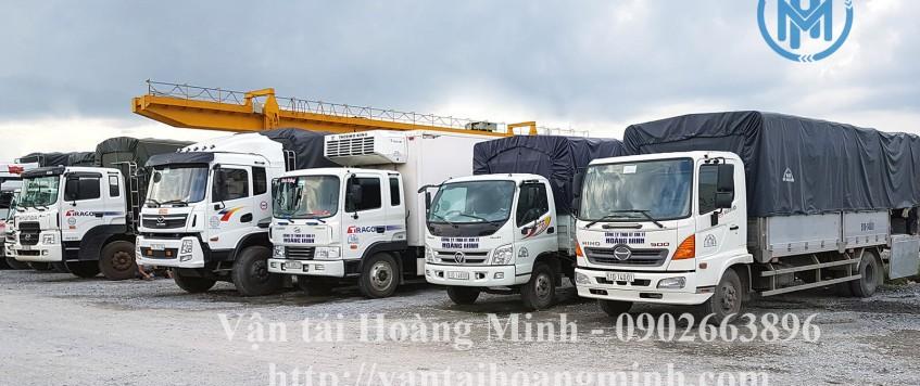 Xe tải chở hàng khu công nghiệp Dầu Tiếng