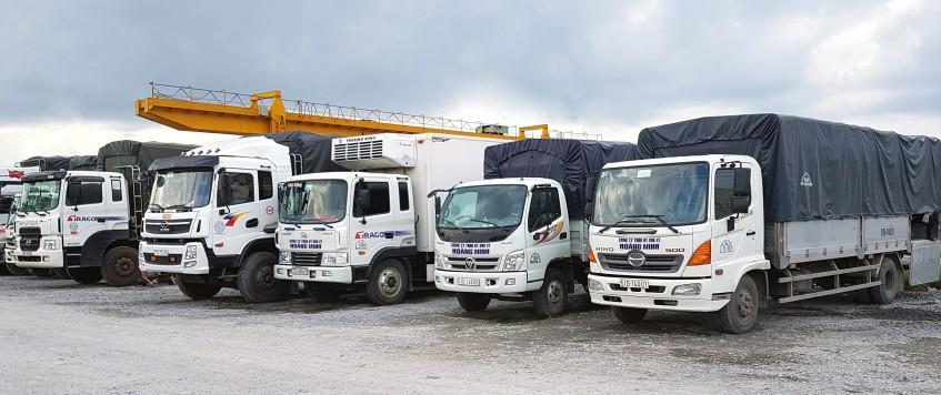 Xe tải chở hàng KCN Nam Đông Phú