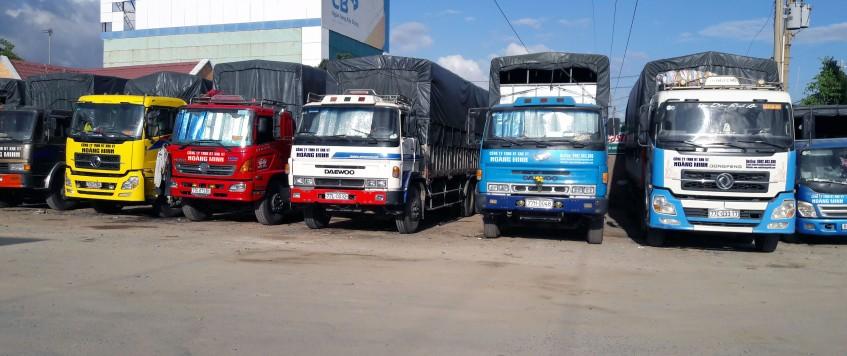 Xe tải chở hàng KCN An Phú Cửa Khẩu Mộc Bài