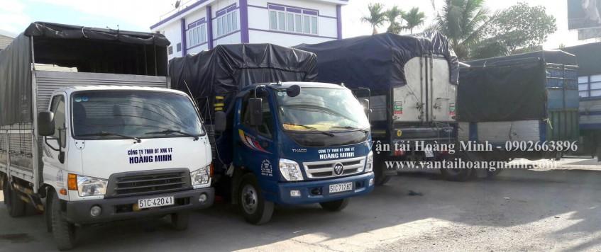 Xe tải chở hàng khu công nghiệp Lê Minh Xuân