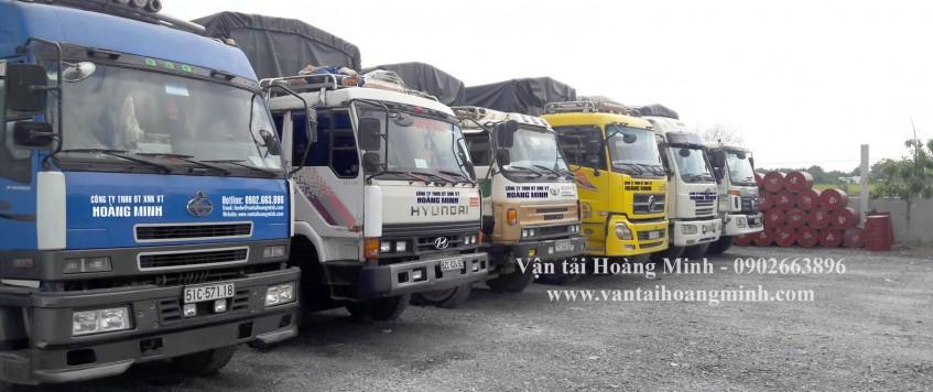 Xe tải chở hàng khu công nghiệp Sóng Thần 2